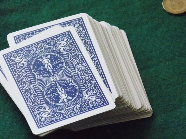 Paquet de cartes non visibles pour vérifier la mémorisation du jeu de 52 cartes