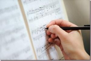 Ecrire un doigté sur une partition