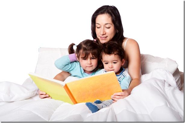Lire une histoire aux enfants