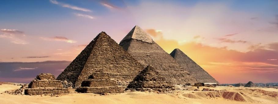 histoire pyramides