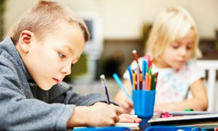 Enfant devoirs