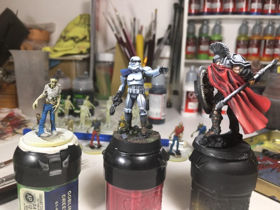 Comment bien préparer son projet de peinture - le niveau de peinture