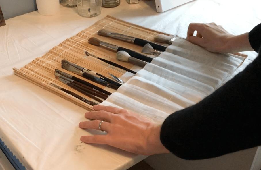 Natte en bambou permettant de ranger et transporter ses pinceaux