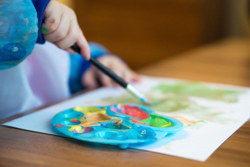 peinture comme un jeu d'enfants
