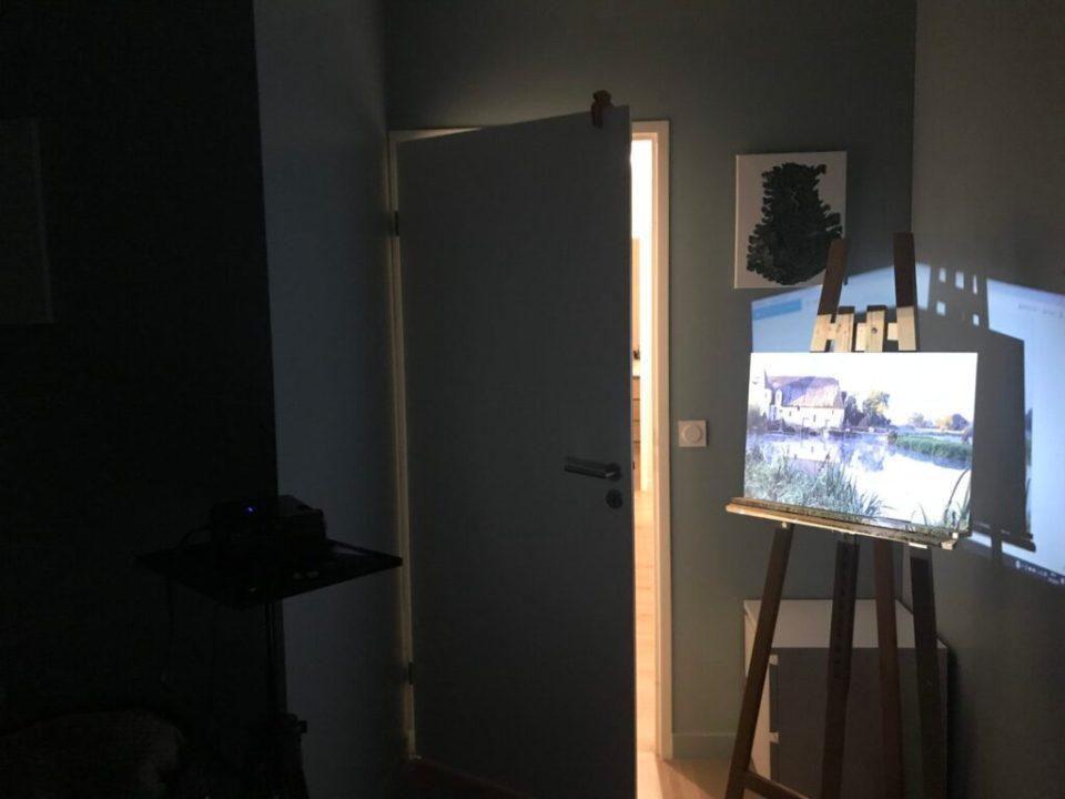 une des méthodes pour un dessin parfait : la projection avec un vidéoprojecteur