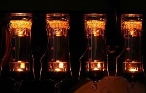 4 lampes