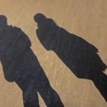 couples bien élevés habitudes couple bien énevés, bonnes manières savoir-vivre couple, relation amoureuse et étiquette, leçon réussir son couple gentleman plaire mariage fainçailles