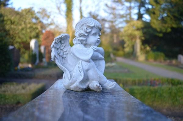 deuil condoléance défunt mort décès famille carte citation aider nadine de rothschild deuil porter noir durée écharpe