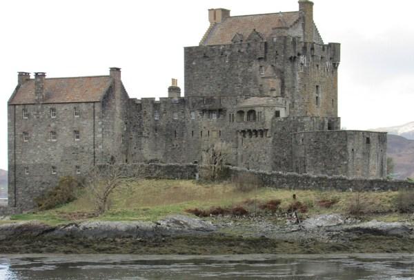 titre noblese 50 euros aristocratie britannique common wealth castle chateau bois écosse propriétaire lady lord laird