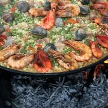 manger les fruits de mer avec les doigts manger avec les doigts autoriser ou pas, crevette manger couteau fourchette doigts, fruits de mer à manger paella doigts couverts