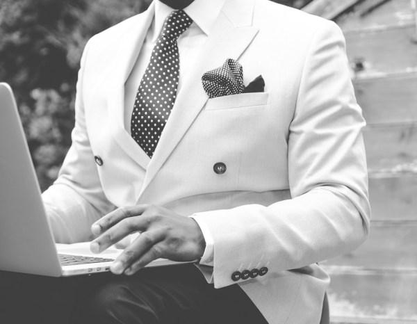 cravate noire tenue de soirée dress code gentleman homme bristol invitation carton décodé