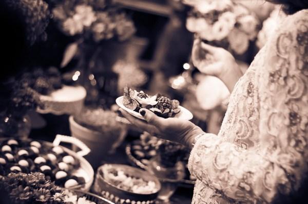 buffet Quelles quantités de nourriture protocole savoir vivre étiquette politesse menu femme homme séduction nadine de rothschild cours maintien apprendre convenances cocktail réception