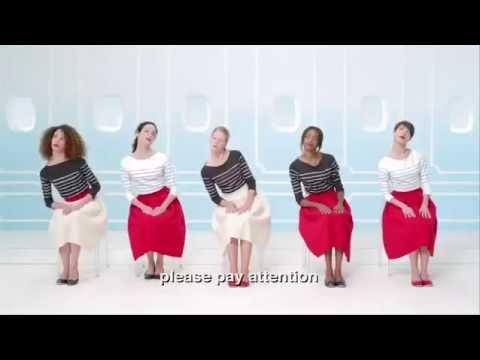 lady-like air france lady style femme dame élégance jupe tricolore etiquette protocole