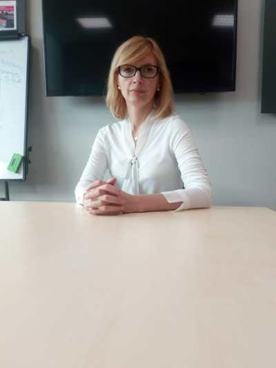 Politesse, bienséance et étiquette russe : voilà le sujet du jour ! Nathalie Batishcheva, coach en étiquette d'affaires en Russie nous explique tout