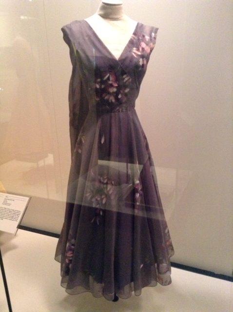 grace kelly robe 1 grace kelly robe 5 robes de Grace Kelly style de princesse comment s'habiller comme kaet middleton élégance décence leçon de style beauté
