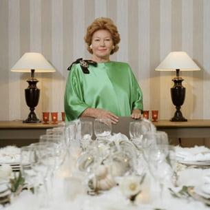 Cours de savoir-vivre avec Nadine de Rothschild