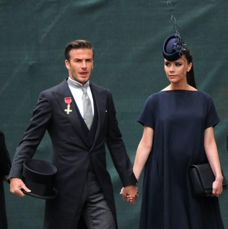 chapeau noir mariage victoria bekham hat wedding kate williman chapeau noir