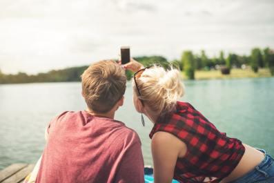 Une lady des temps modernes peut-elle inviter un homme à boire un verre ?