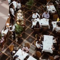 Faut-il amener quelque chose lorsqu'on est invité au restaurant ? cadeau