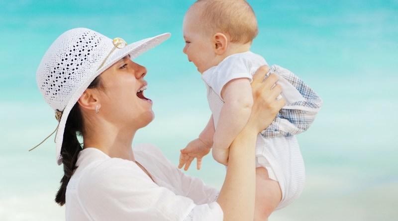mère et fille heureuses - Image parPublicDomainPictures de Pixabay