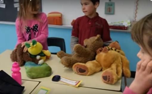 9 idées pour développer l'esprit d'entreprise et d'initiative chez les enfants (à l'école et à la maison)