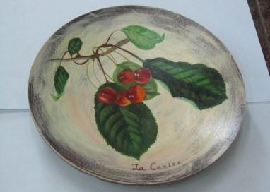 Assiette décorée. Peinture aqrylique.