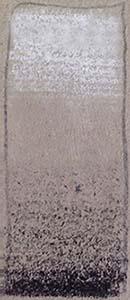 Dégradé à la manière des deux crayons : la teinte du papier participe du dégradé.