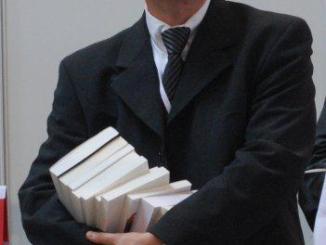 photo marco - Portrait d'apprivoiseur: Marc-Olivier Amblard, le bonheur est dans le livre!