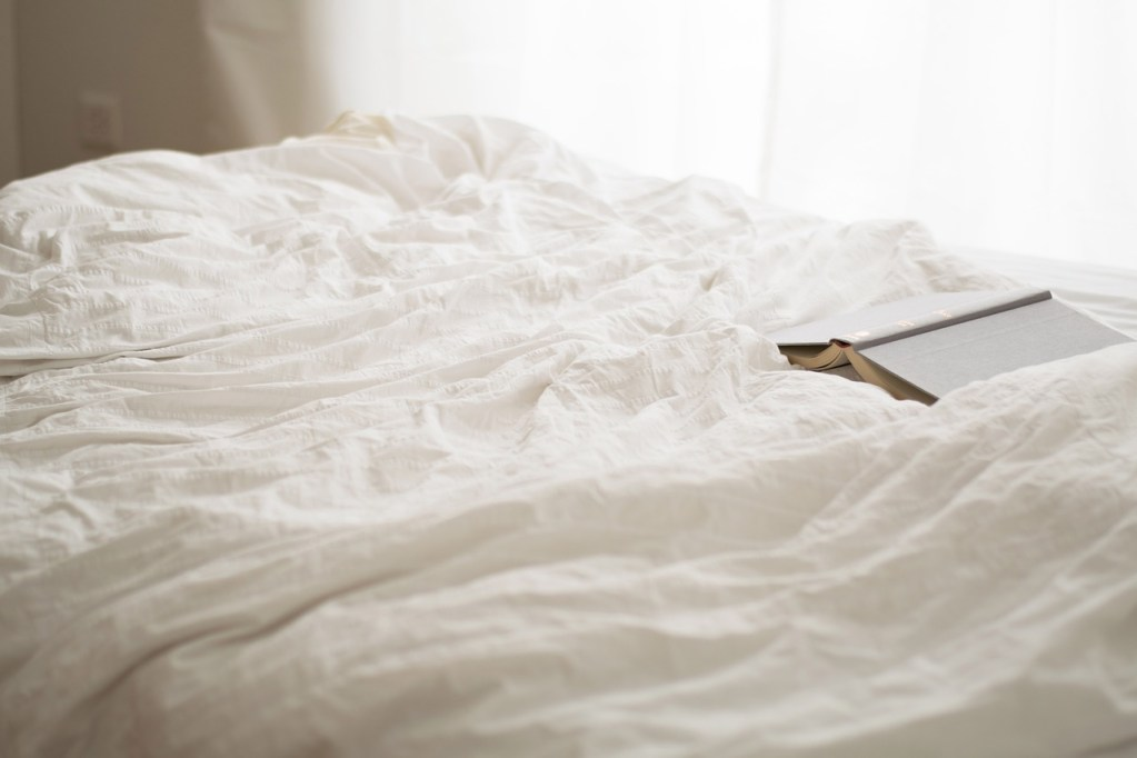 read, sunday, bedroom