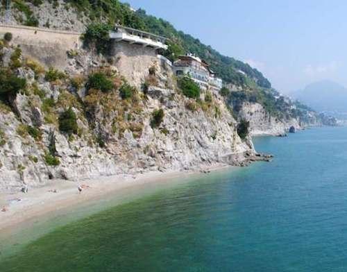 6 Spiagge in costiera amalfitana accesso via mare e terra
