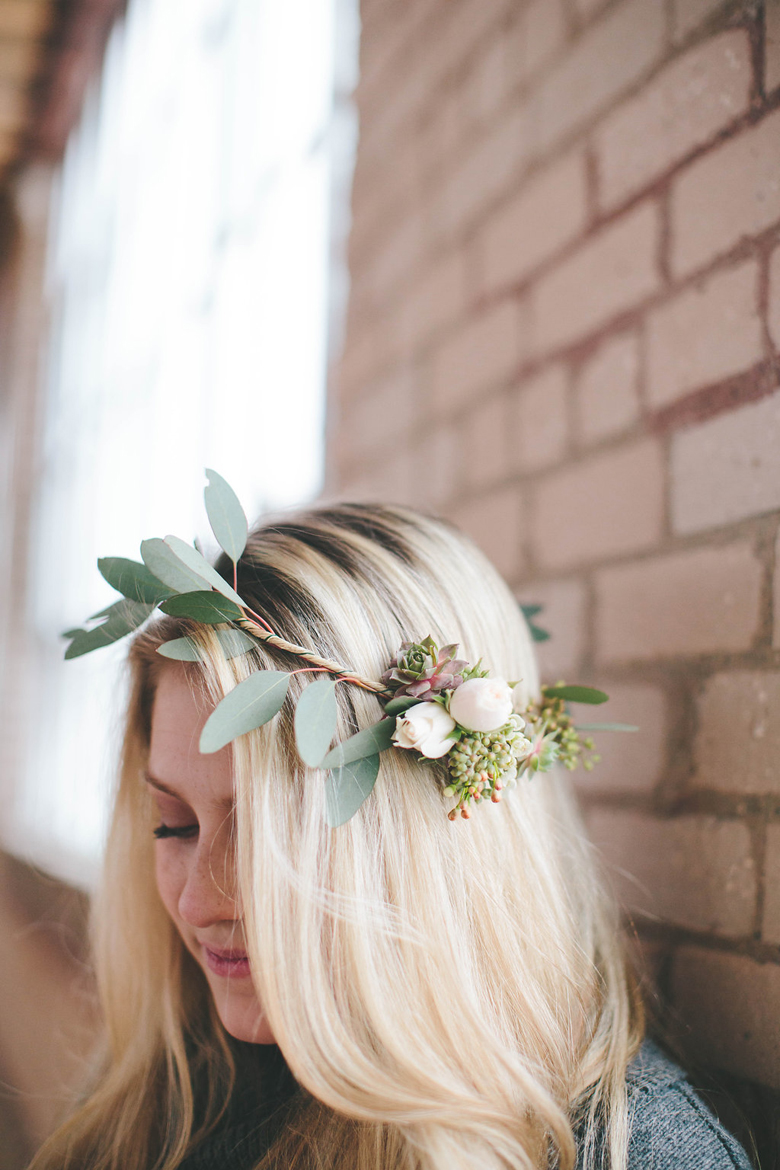 How To DIY An Easy Asymmetrical Flower Crown For
