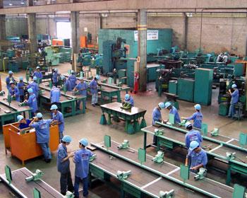Problema de Pesquisa Operacional: modelagem de produção de uma fábrica