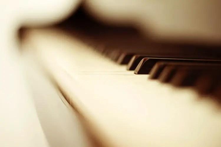 piano teclado d o f