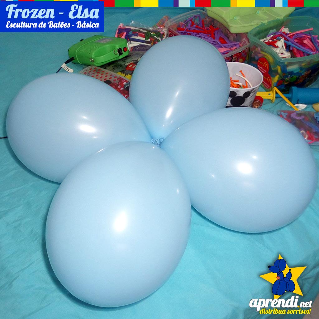 Para a base de fixação vamos fazer um cluster (4 balões) amarrados.