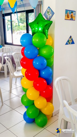 Coluna de balões - Balões nº9 e balão em formato de estrela.