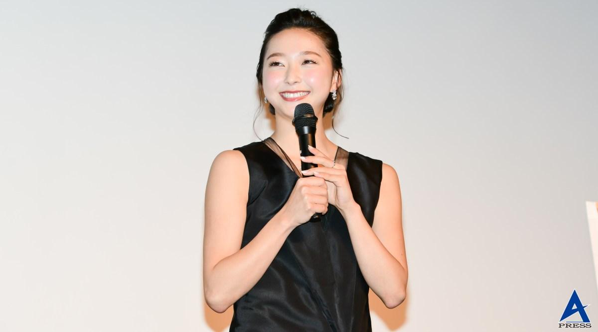 元新体操日本代表・畠山愛理がピンヒールにリボン技披露『マノロ・ブラニク トカゲに靴を作った少年』特別試写会