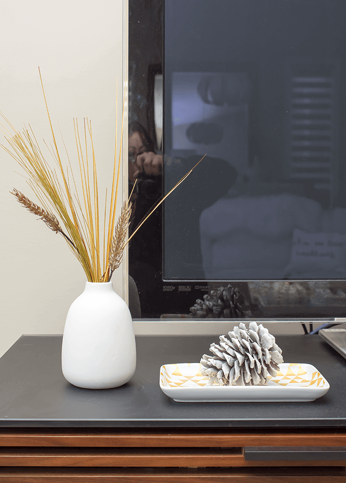 simple white pinecone decorating for fall.