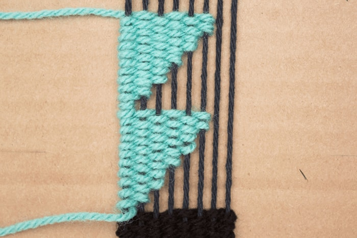 How to make angles in weavings / woven bookmark.