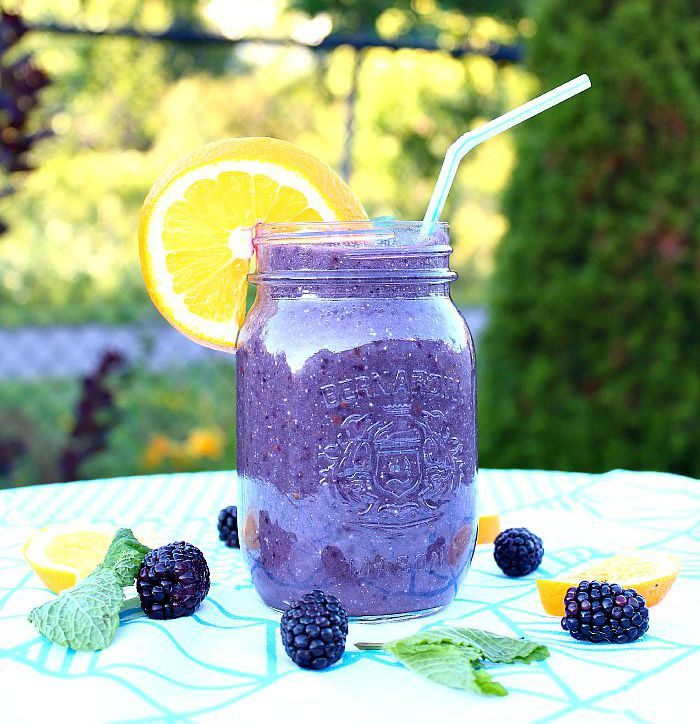delicious blackberry skin-boost smoothie! recipe at aprettyfix.com