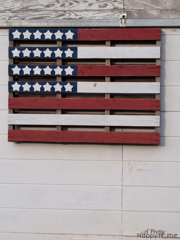 pallet-flag-2