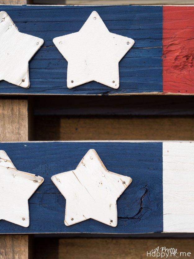 pallet-flag-3