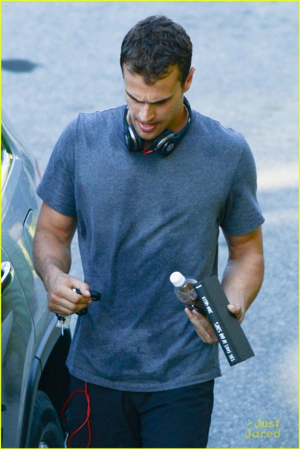 *EXCLUSIVE* Theo James and his 'Insurgent' co-stars hit the gym during downtime
