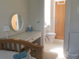 twin bedroom ensuite