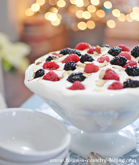 Berry-Christmas-Trifle