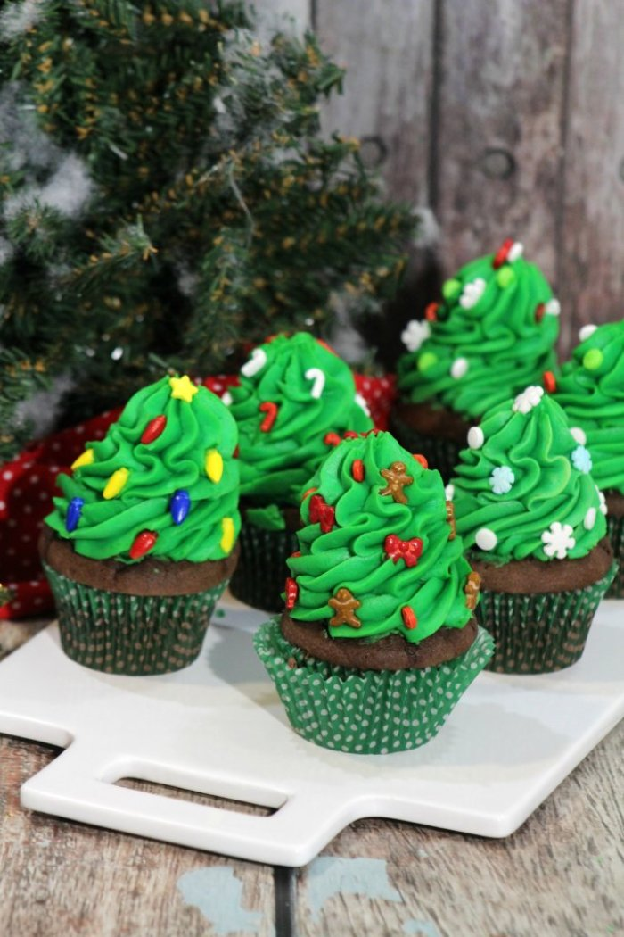 Christmas Tree Cupcakes With Green Icing