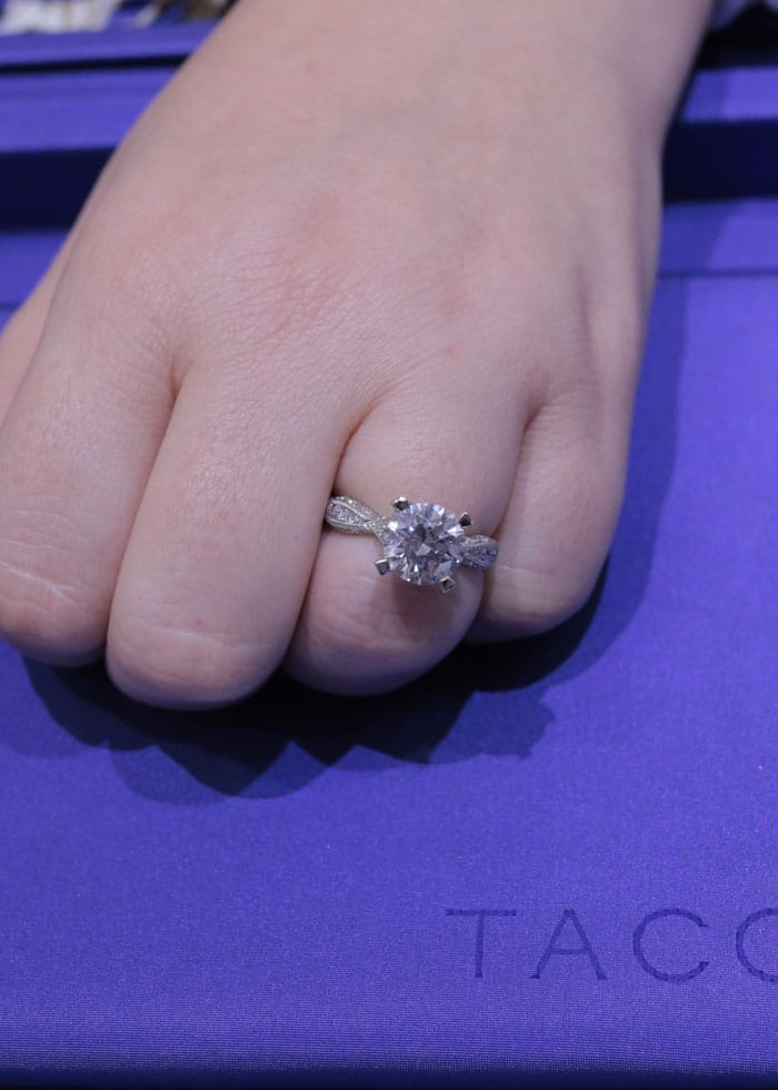 Tacori-Engagement-Rings-Round-Cut-with-Crescents-criss-cross-collection