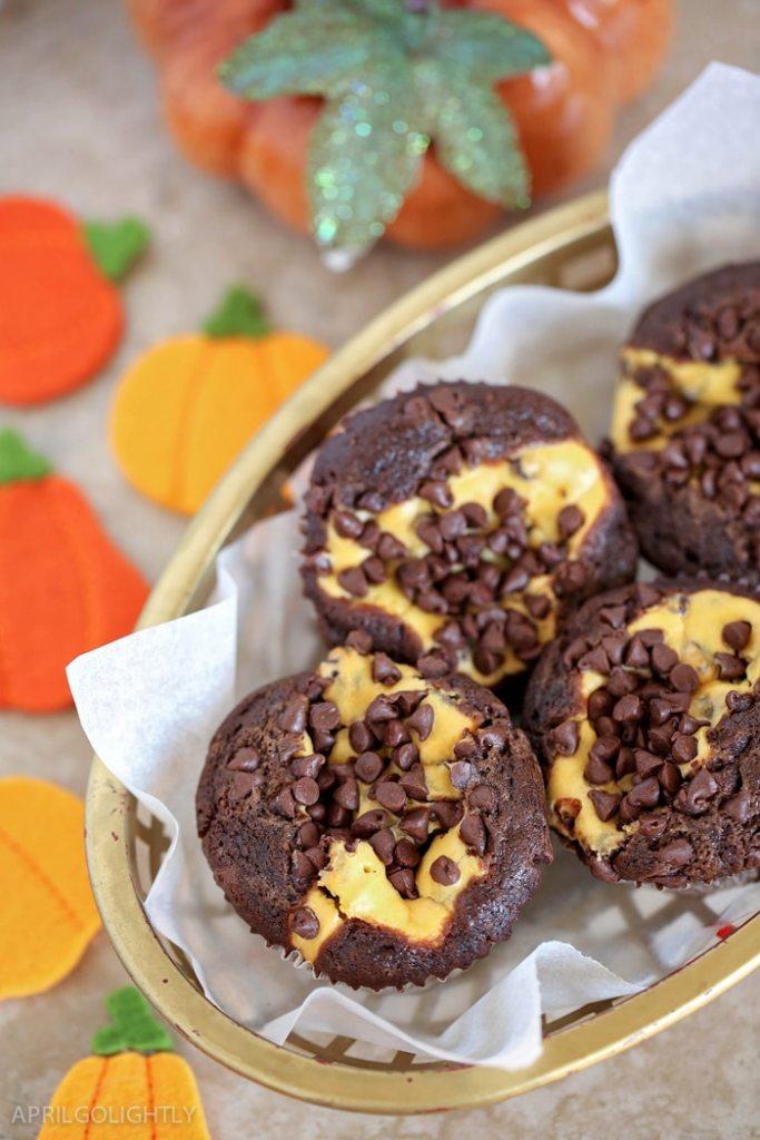 Pumpkin Chocolate Cheesecake Muffins