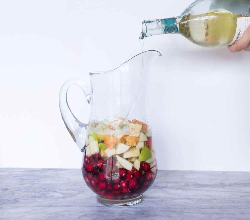 apple-cranberry-sangria