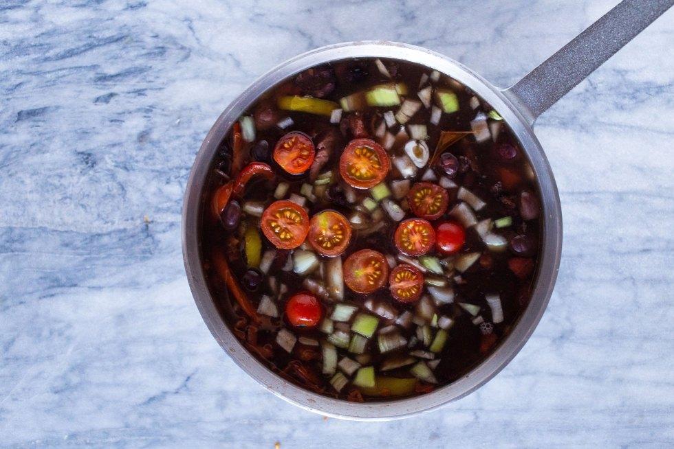 One Pot Black Bean Soup