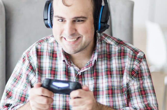 Gift Spotlight – Noise Cancelling Gaming Headphones
